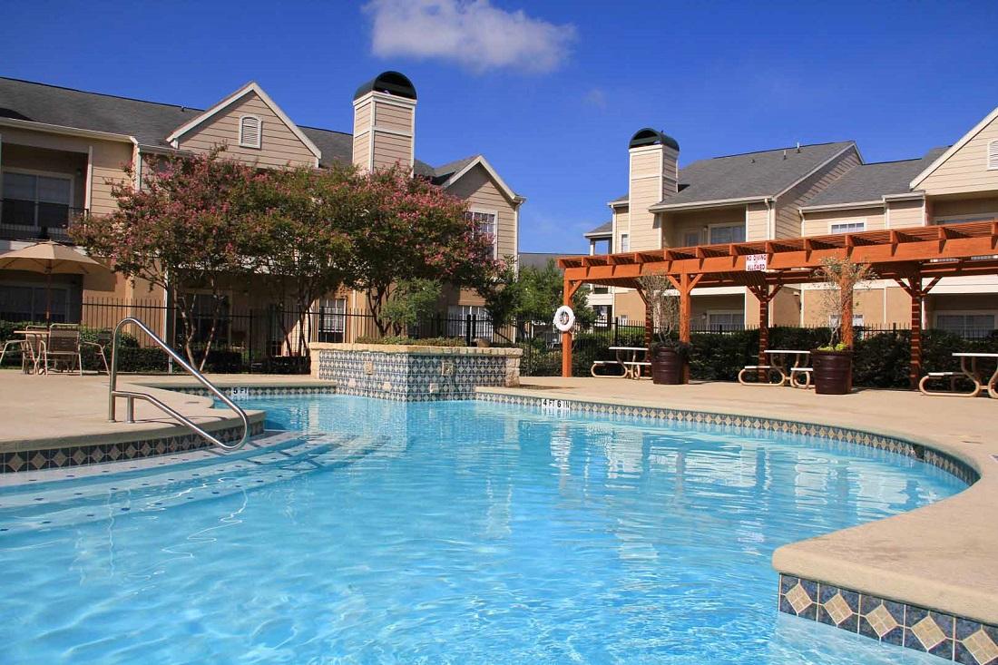 Pool at Listing #141380