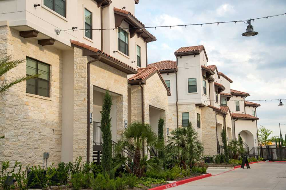 Exterior at Listing #281187