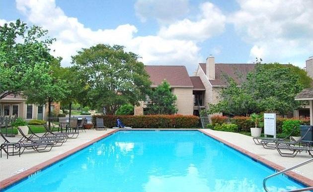Pool at Listing #140325