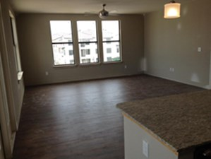 Living at Listing #280545
