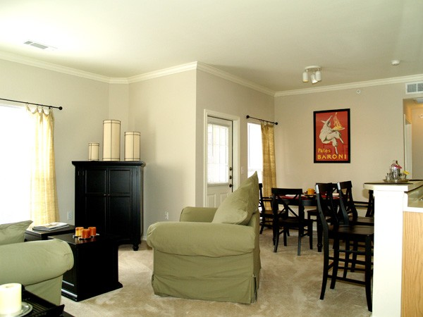 Living at Listing #140749