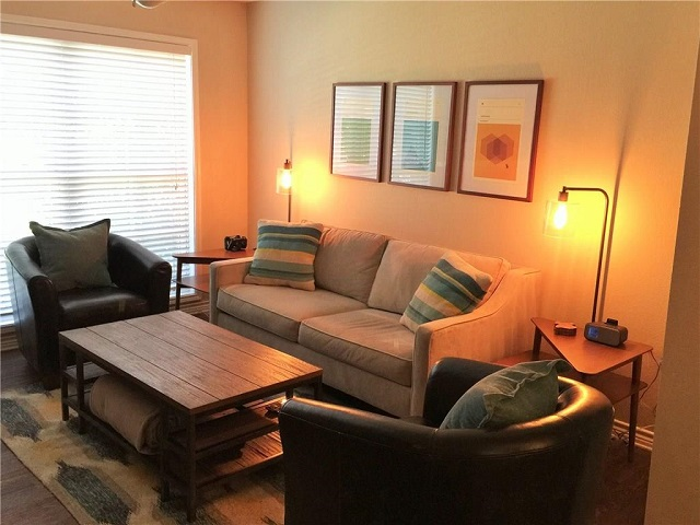 Living at Listing #229571