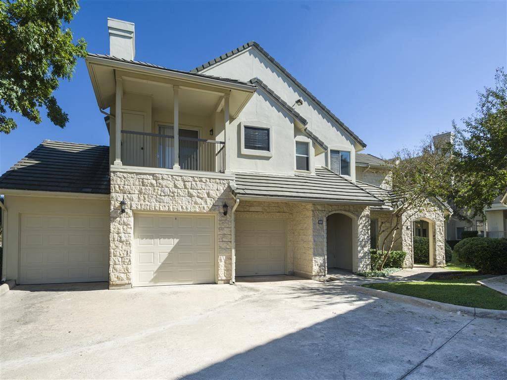 Exterior at Listing #140640