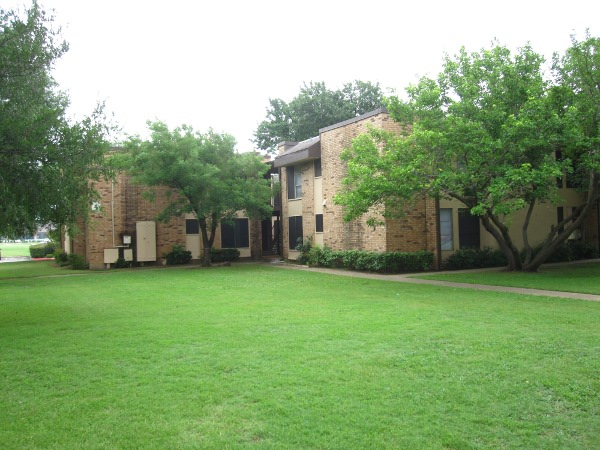 Basswood Manor Apartments Lewisville TX