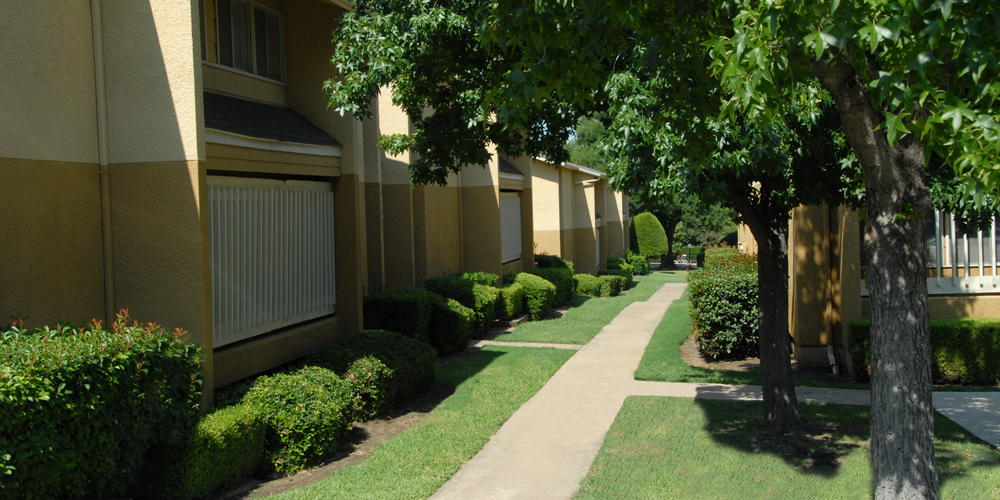 Exterior at Listing #136072