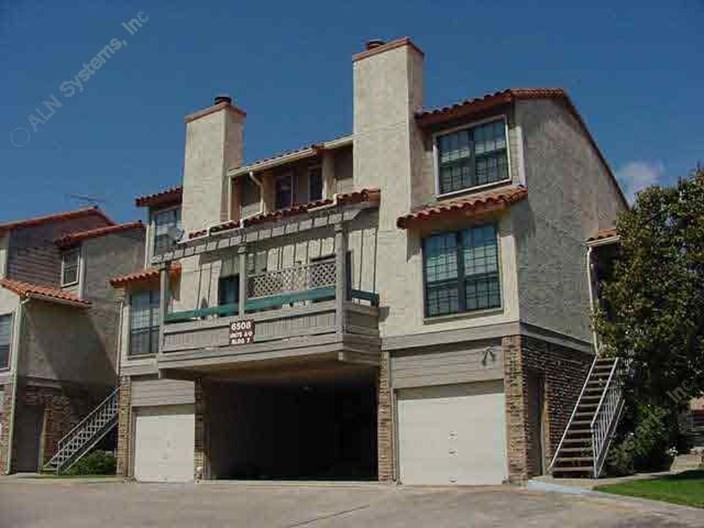Ridgmar Apartments