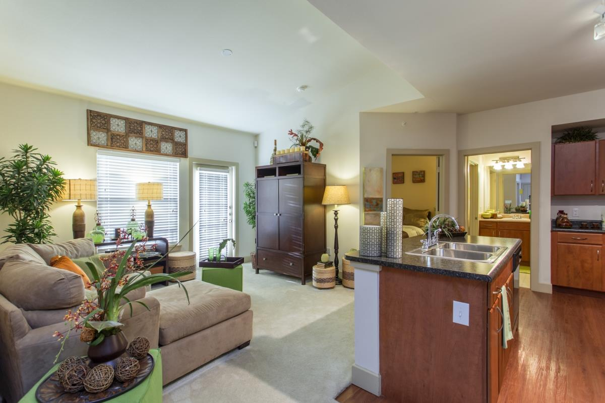 Living Area at Listing #144537