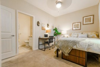 Bedroom at Listing #143944