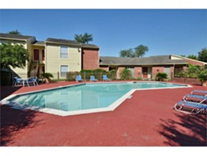 Brookbend apartments houston 640 for 1 2 bed apts - Westbury swimming pool houston tx ...