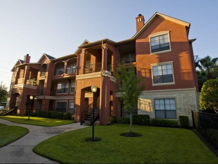 Retreat at Eldridge Apartments