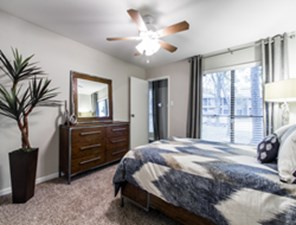 Bedroom at Listing #139443