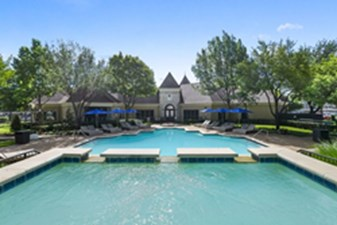 Pool at Listing #137882