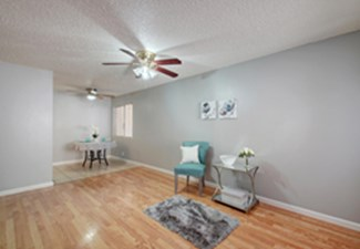 Living at Listing #211420