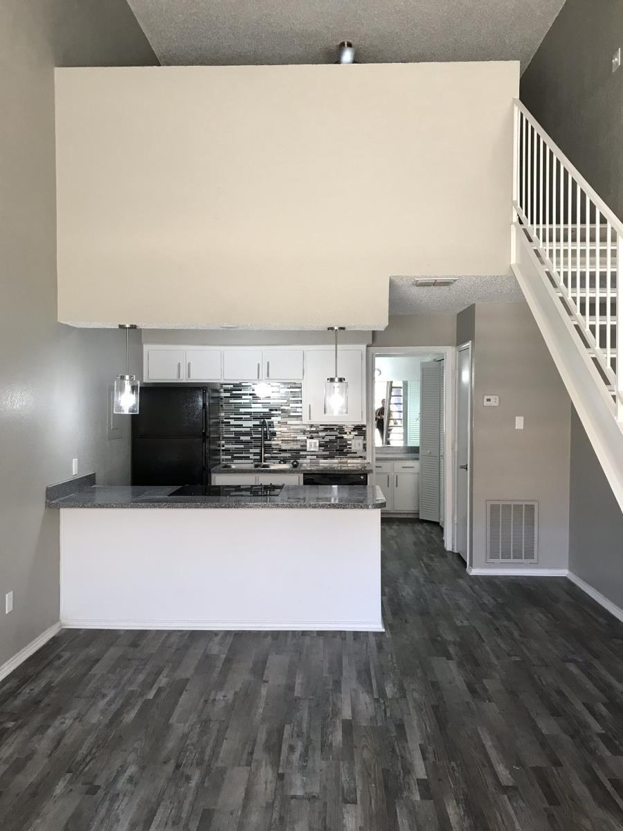 Living/Kitchen at Listing #212645