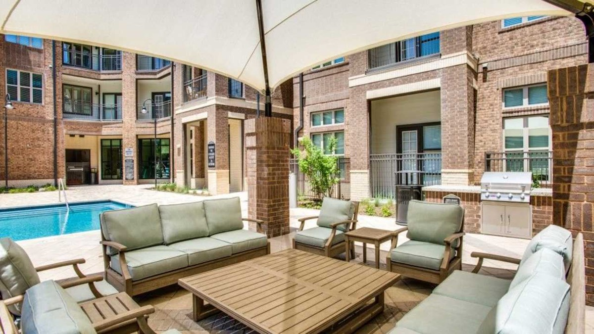Lounge at Listing #286831