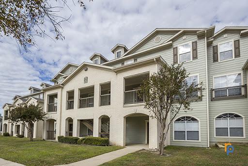 Silverton Village Apartments Ennis, TX