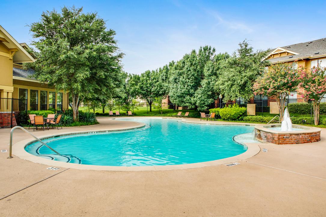 Pool at Listing #138152