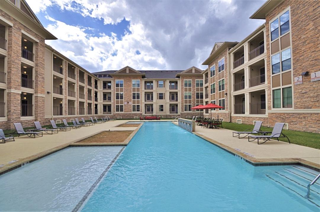Pool at Listing #276043