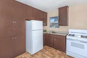 Kitchen at Listing #139360