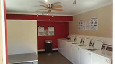 Laundry at Listing #139116