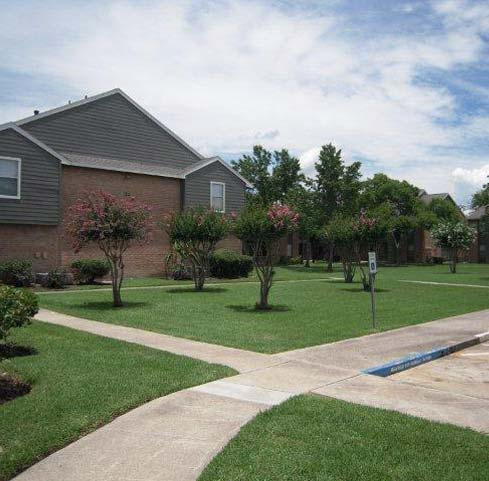 Exterior at Listing #138239