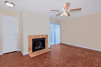 Living at Listing #139488