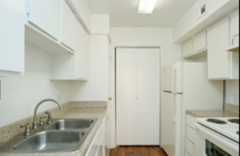 Kitchen at Listing #138362