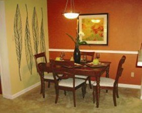 Dining at Listing #140469