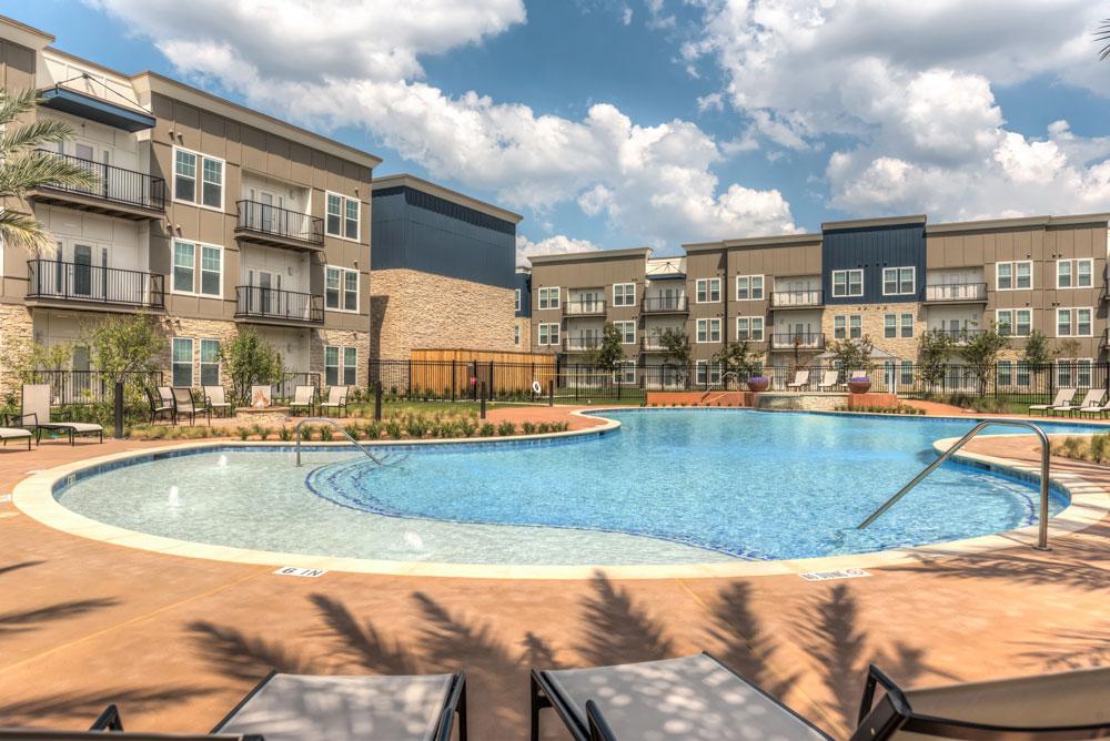 Pool at Listing #277766