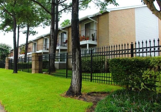 Abbey at Willowbrook Apartments Houston, TX