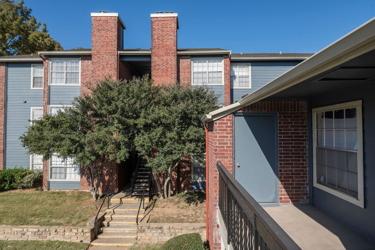Exterior at Listing #135862