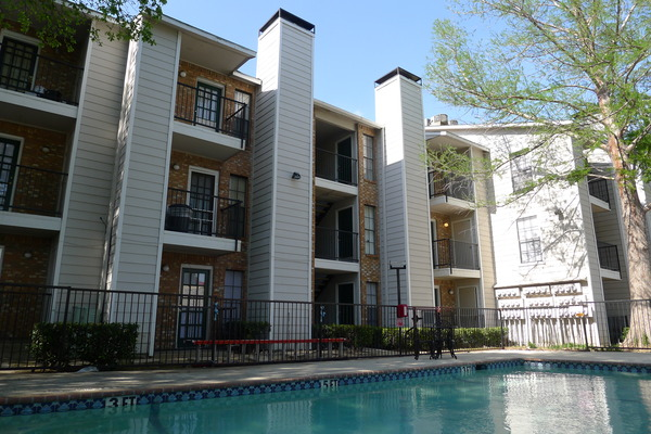 Exterior at Listing #135749