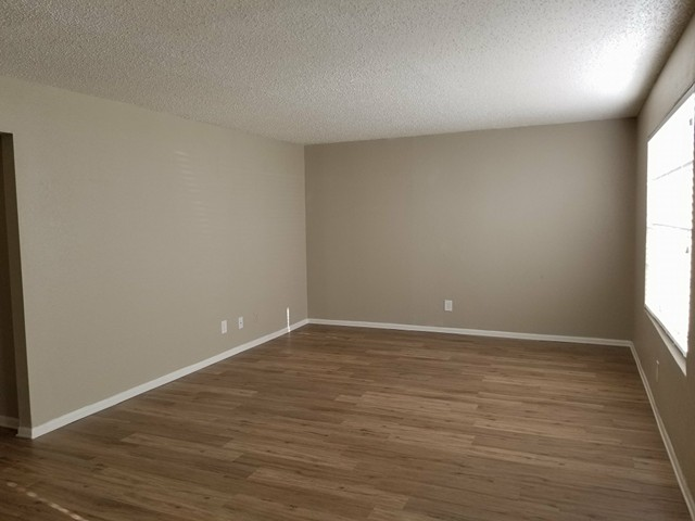 Living at Listing #137625