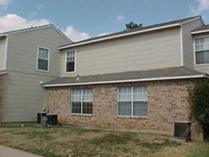 Exterior 2 at Listing #137641
