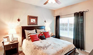 Bedroom at Listing #141378