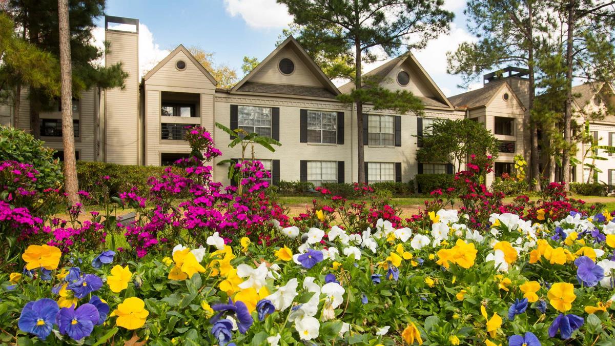 9900 Memorial Apartments Houston, TX