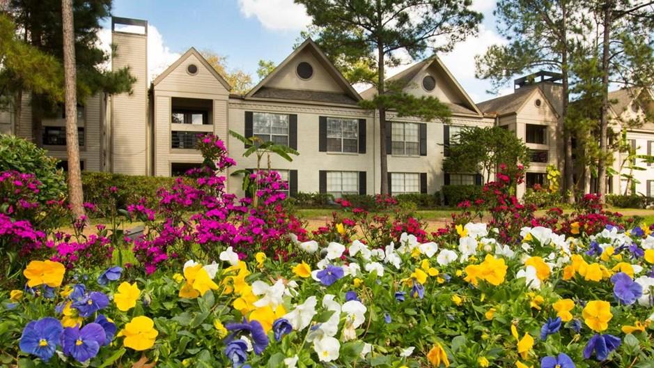 9900 Memorial Apartments