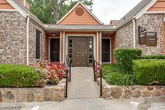 Exterior at Listing #135663