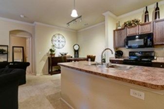 Dining/Kitchen at Listing #155261