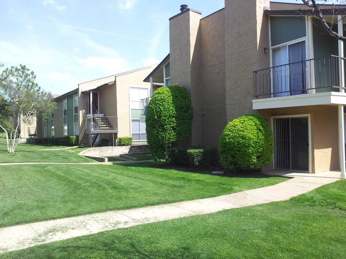 Exterior at Listing #137509