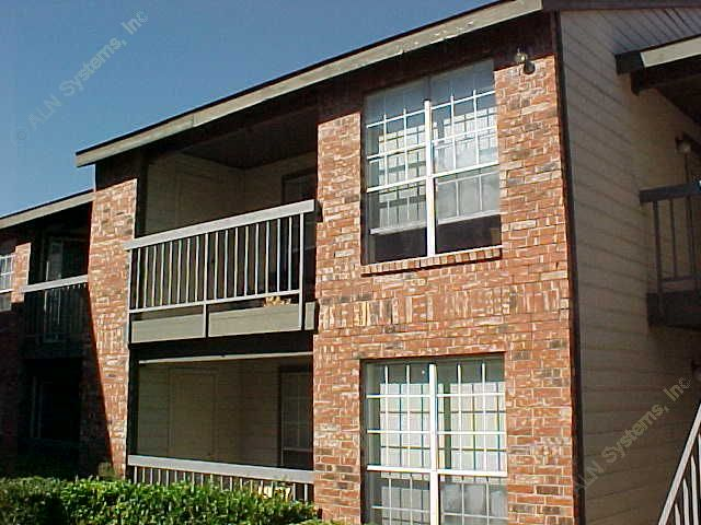 Exterior 5 at Listing #137442