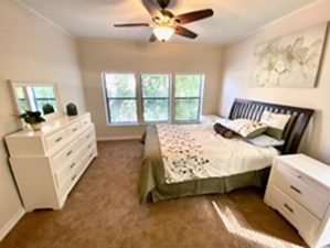 Bedroom at Listing #139842