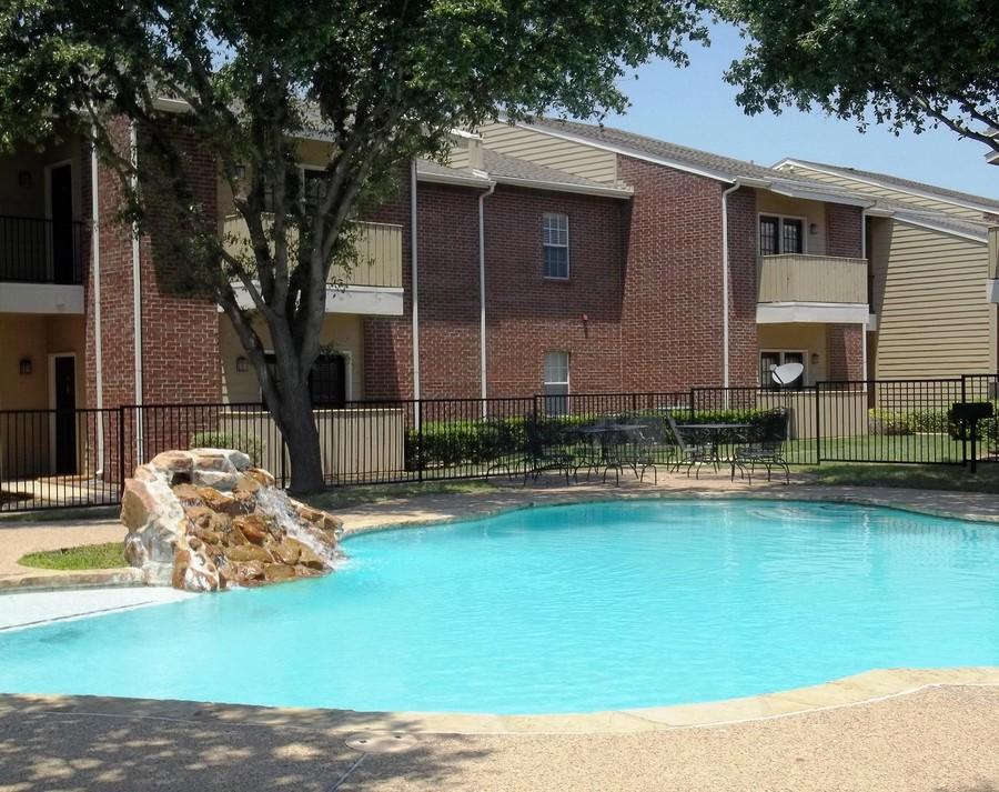 Pool at Listing #137759