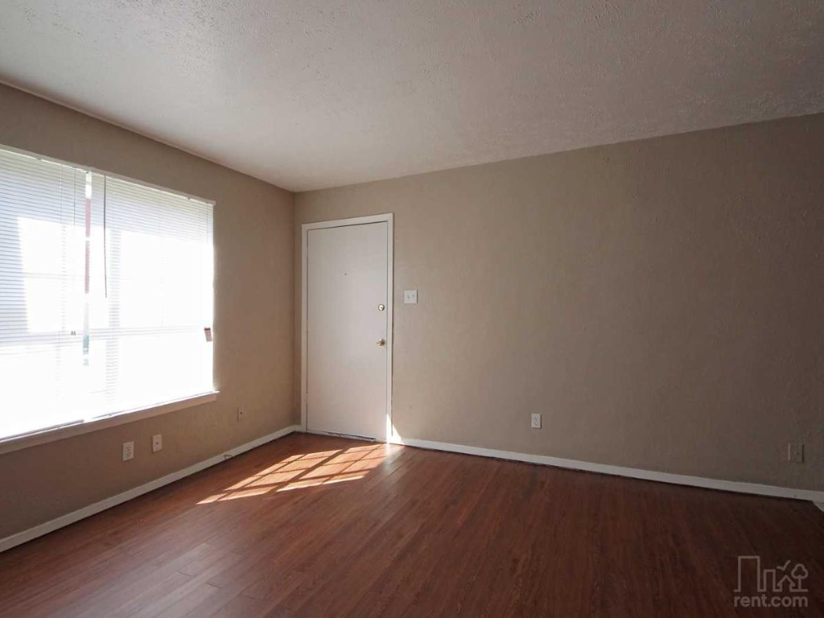 Living at Listing #231826