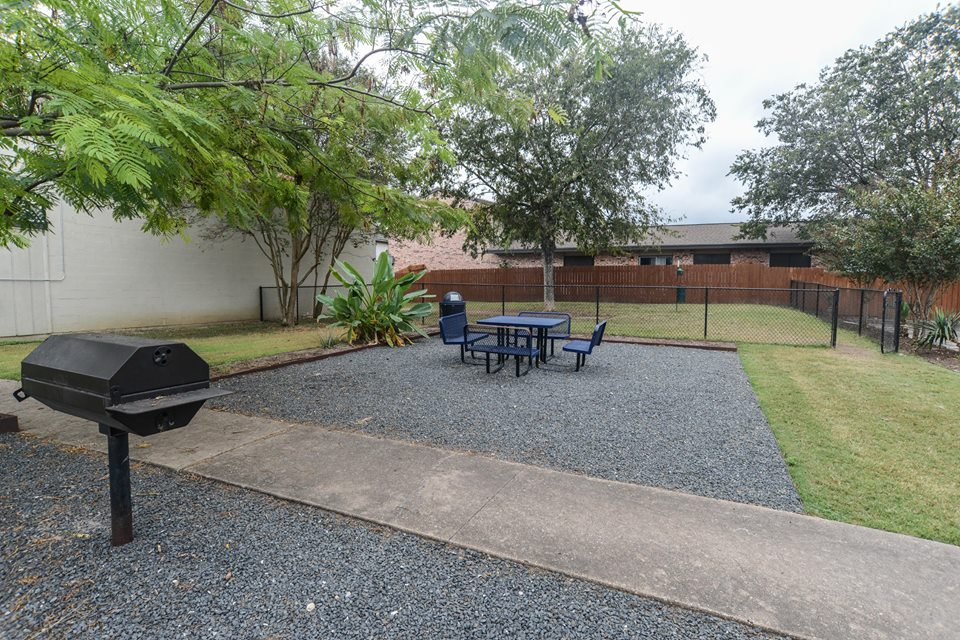 Picnic Area/Dog Park at Listing #140598
