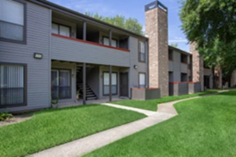 Exterior at Listing #138286