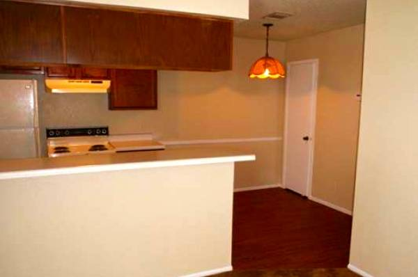 Dining at Listing #140960