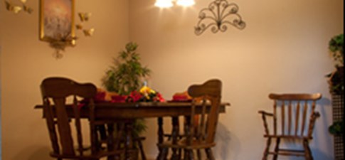 Dining at Listing #137049