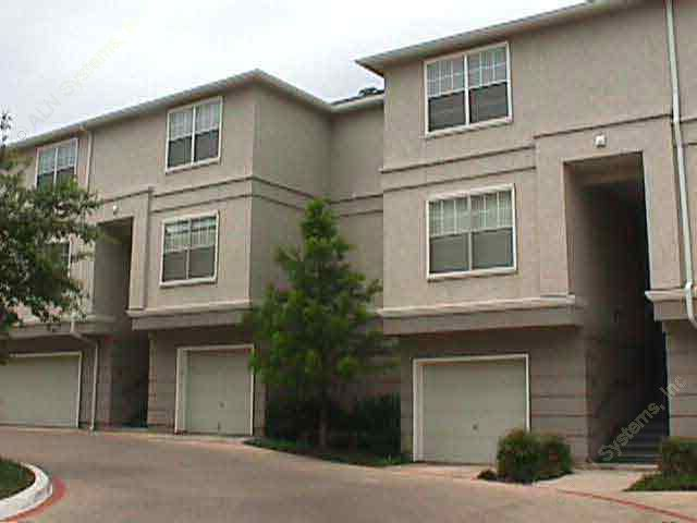 Exterior 4 at Listing #137483