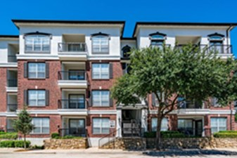 Exterior at Listing #137811